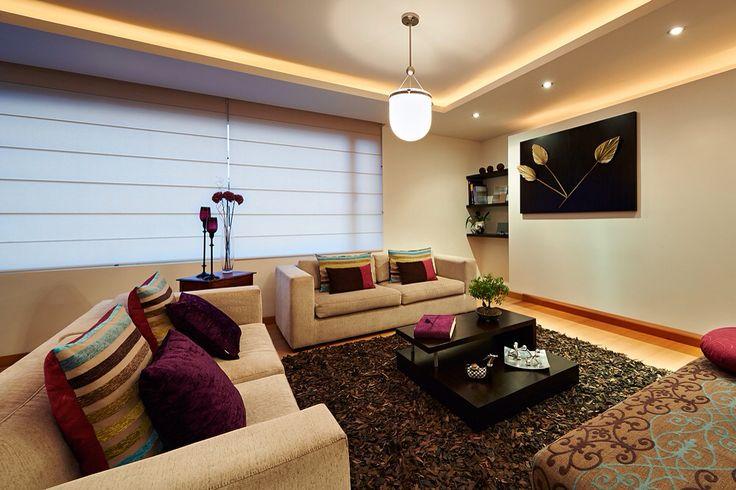 El diseño en pliegues de las #romanas es ideal para ambientes que buscan combinar espacios modernos, con un estilo tradicional. Visítanos en www.espacioflex.com y conoce más sobre nuestro catálogo de #cortinas y #persianas.