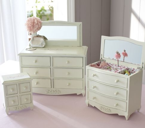 Jewelry Box. I love this set and want it if I ever have a little girl!!