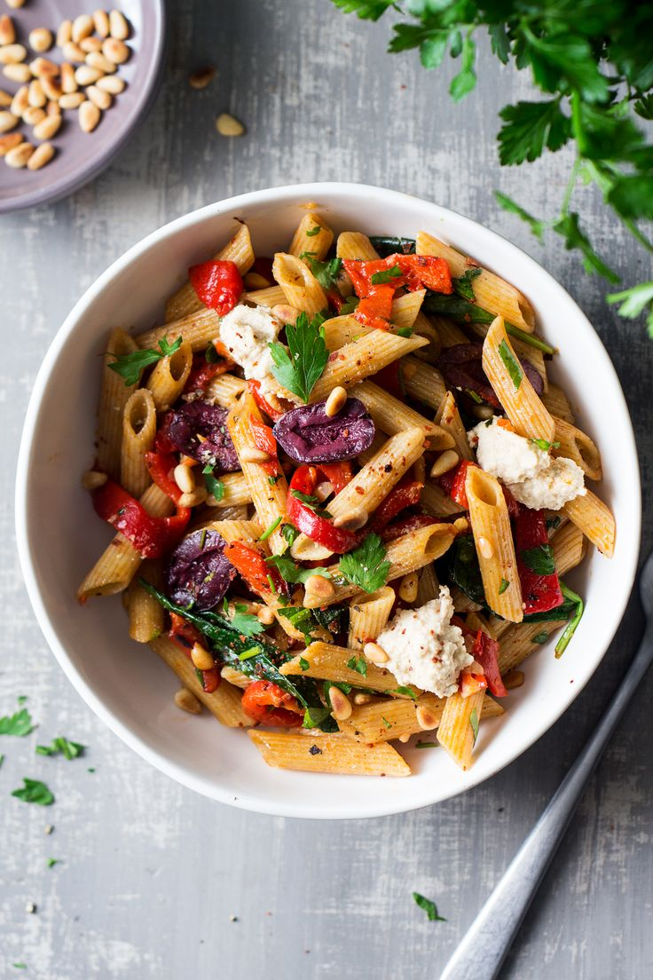This vegan red pepper pasta comes together in less than 20 minutes. It's super tasty, nutritious and naturally vegan. It can also be made gluten-free.