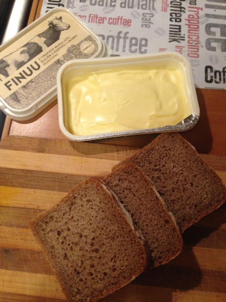 FINUU smakuje najlepiej w towarzystwie ciemnego pieczywa! Spróbuj! @mrsFamess #finuu #finuupl #pieczywo #chleb #przepis #ryebread #kanapki #sandwich #butter #finland #sniadanie #lunch #kanapki