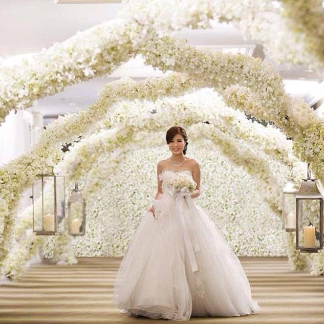 Where to buy wedding planners wedding decor ideas 126 best white weddings images on pinterest white weddings junglespirit Gallery