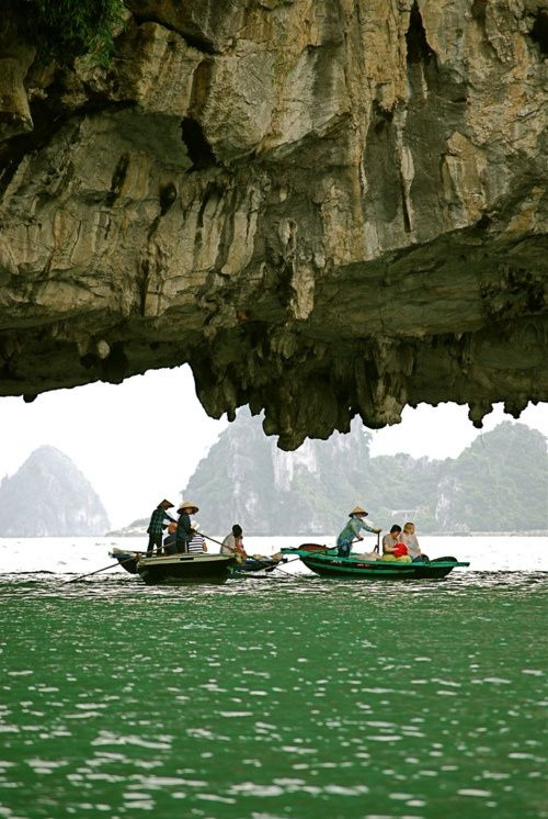 Ha Long Bay, Vietnam.: Buckets Lists, Stunning Places, Favorite Places, Bays Vietnam, Halong Bays, Beautiful, Halong Bayvietnam, Visit, Natural
