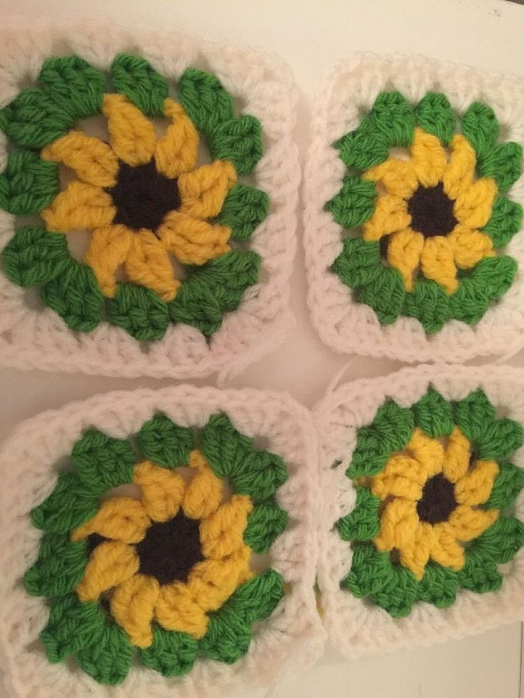 30 Granny Squares, Hand Made , Beautiful 4.5 X 4.5 Inches
