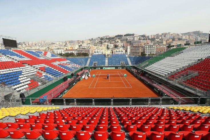 April 2014 - Napoli, Italia Il campo del Tennis Club Napoli prima di un allenamento della nazionale di tennis britannica, che dal 4 al 6 aprile giocherà i quarti di finale di Coppa Davis contro l'Italia.