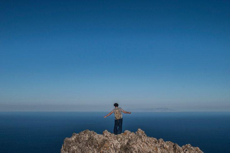 Letters from Greece https://thepigeonhole.com/books/letters-from-greece : Η όψη της πραγματικής Ελλάδας Έλληνες και ξένοι συγγραφείς, δημοσιογράφοι και φωτογράφοι γράφουν γράμματα από την Ελλάδα για την ζωή εδώ.