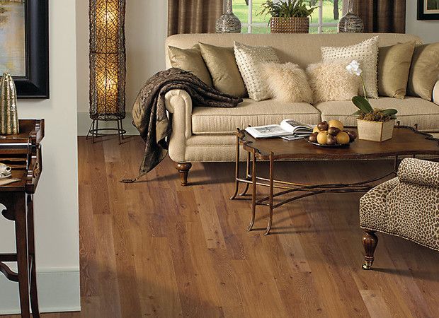 Laminate wood floor for traditional living room design - Living room ideas with oak flooring ...