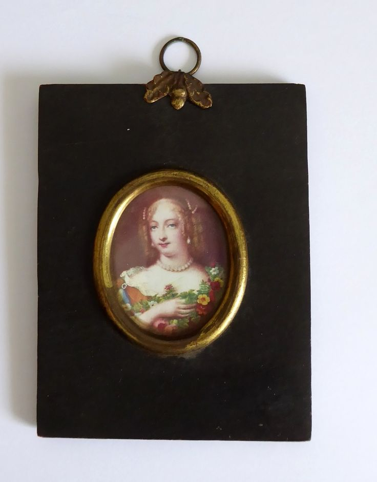 Antique Late 1800s Ebonized Framed Print of a Lady - The Collectors Bag
