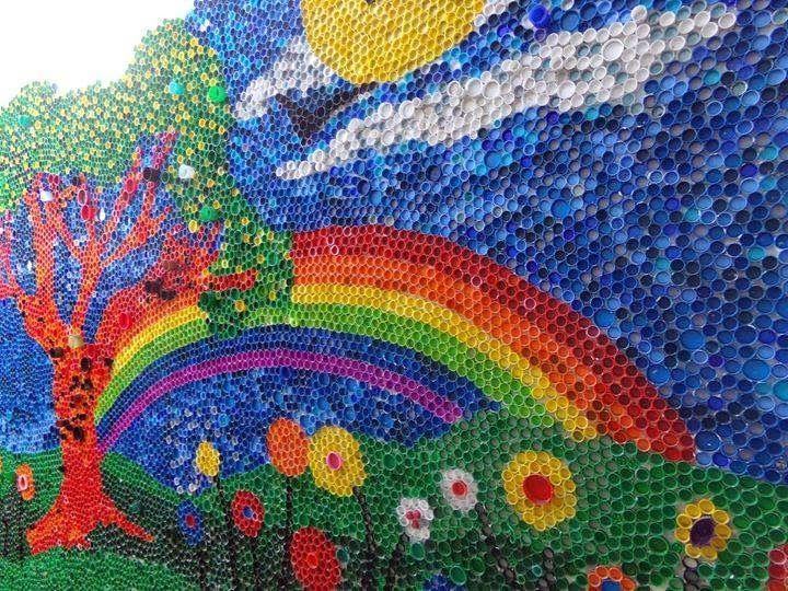 Murales-con-tapones-de-plástico-4.jpg (720×540)