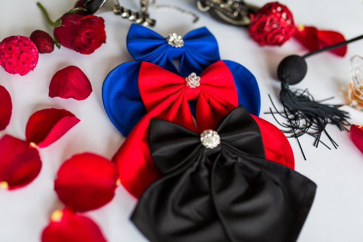Luxury Woman Bow Ties with Swarovski crystals. The perfect accessory that every woman should have.