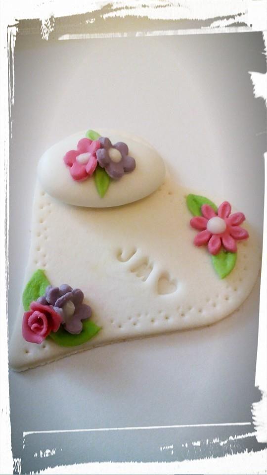 cuore di zucchero decorato
