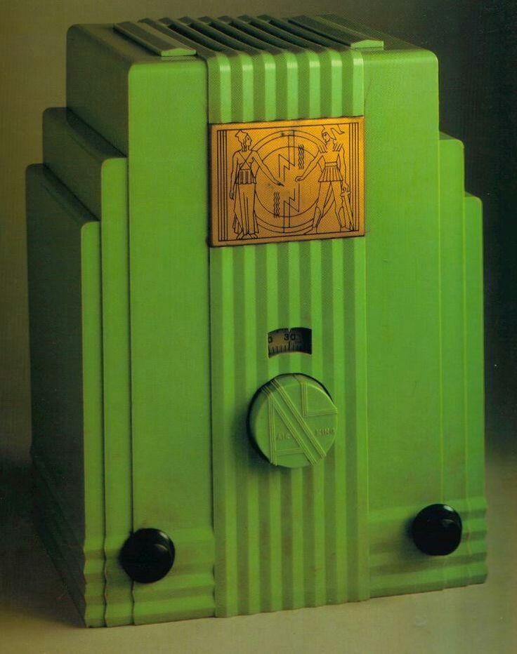 51 best images about vintage bakelite radios on pinterest radios models and facades. Black Bedroom Furniture Sets. Home Design Ideas