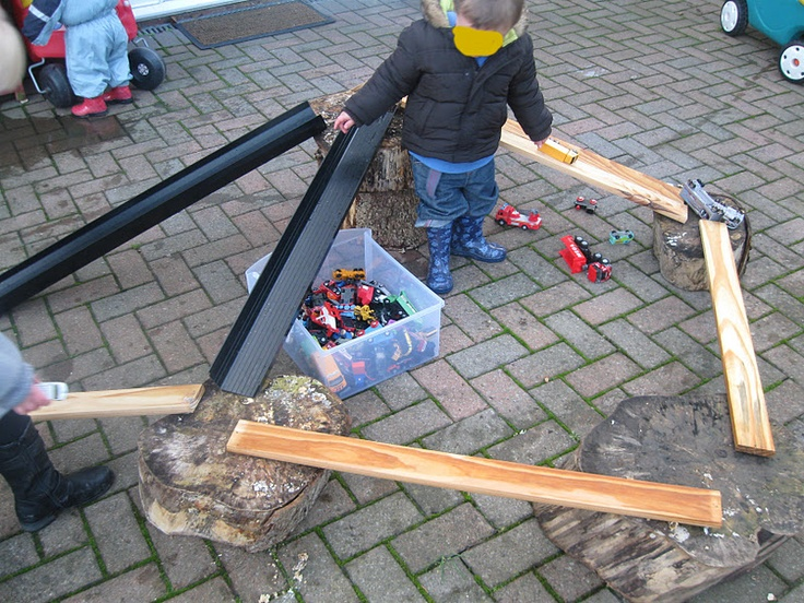 Tree Stumps & Planks : Roads and Ramps | Pre-school Play