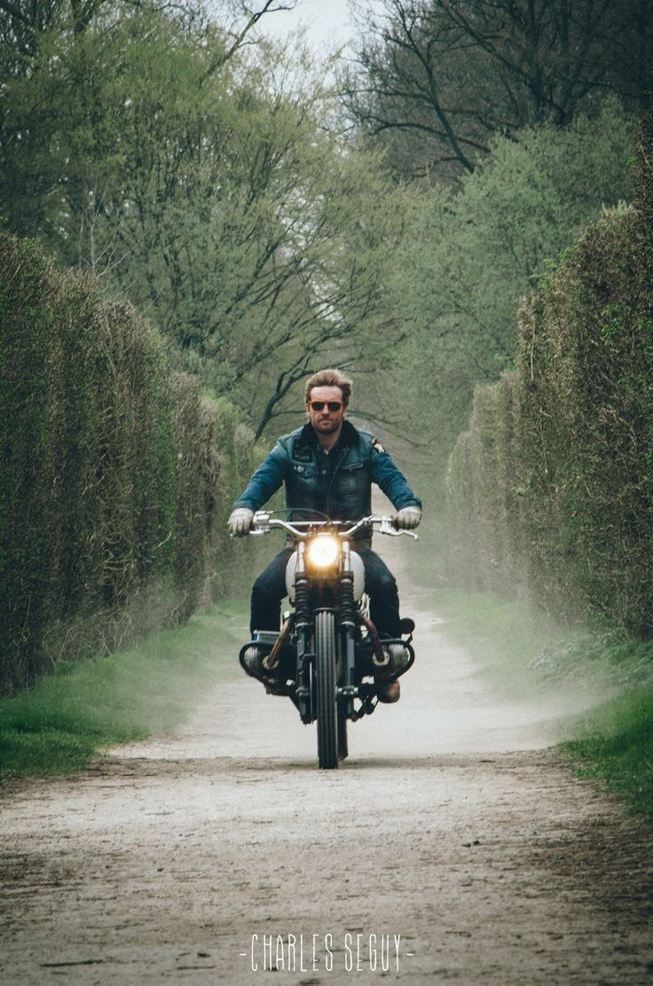 I want to be like this guy... on this BMW scrambler, on this exact road. Looks like a relaxing ride.