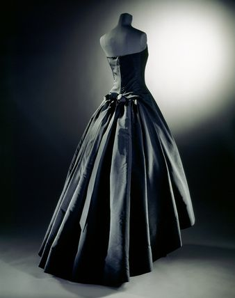 dior evening gown — #MindBodySpirit. Brought to you by SunGoddess Magazine: Igniting the Powerful Goddess WIthin http://sungoddessmagazine.com