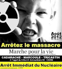 ~Cet article a �t� publi� par Charlie Hebdo le 3 septembre 2014 Faut bien d�gager les d�chets nucl�aires, pas vrai ? Un rapport officiel chiffre � 777 000 par an les transports de mati�res radioactives en France. � Drancy comme ailleurs, il vaut mieux...