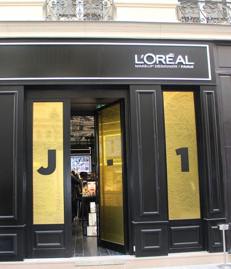 Dédiée au maquillage, la première boutique L'Oréal Paris ouvre ce jeudi 29 septembre 2016. Un point de vente digitalisé avec de la réalité augmentée qui veut aller à la rencontre des Millenials et inspirer les tendances de demain. En images.