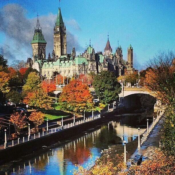 Ottawa - our nation's capital. It is absolutely stunning in the fall.