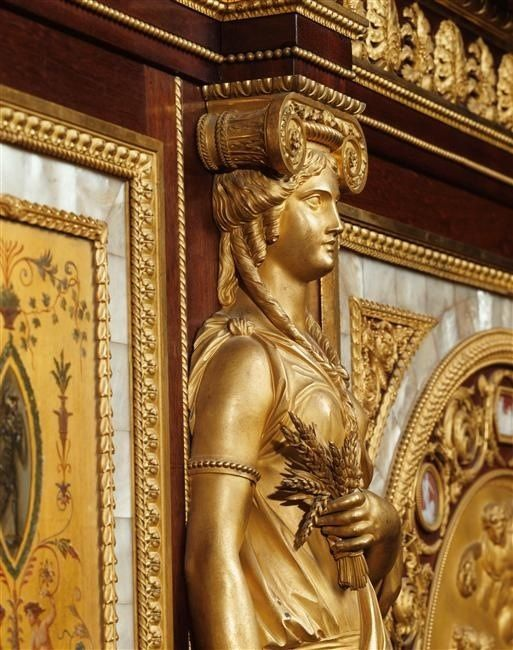 LES LIAISONS DE MARIE ANTOINETTE | Serre-bijoux de la reine Marie-Antoinette | | Detail Image of the bronze mounts by Thomire, the armoire was made by Ferdinand Scwerdfegerin in 1787 | Photo (C) RMN-Grand Palais (Château de Versailles) / Gérard Blot