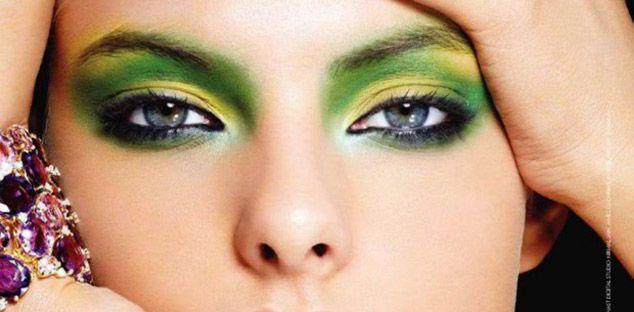 Yeşil göz makyajı nasıl yapılır ?