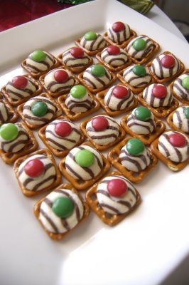Pretzels, Hershey Kisses and M's-- YUM!