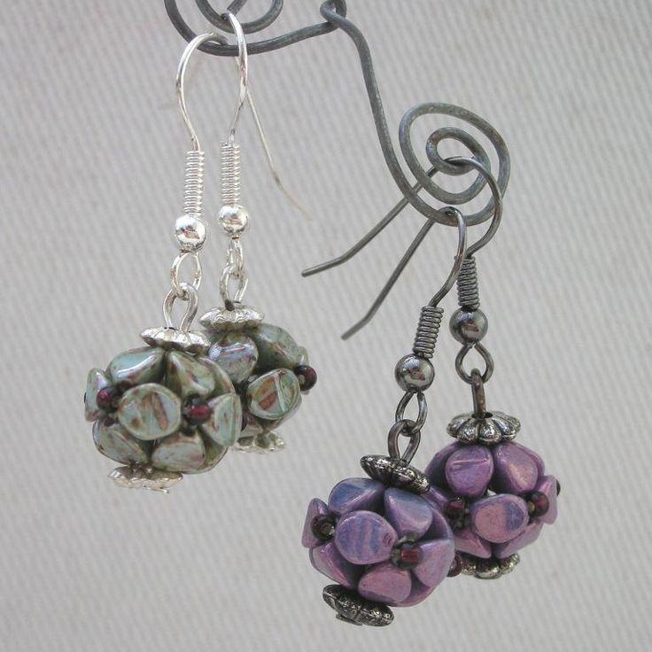 Beaded pinch bead earrings - via @Craftsy by  DamselflyGemma free tutorial