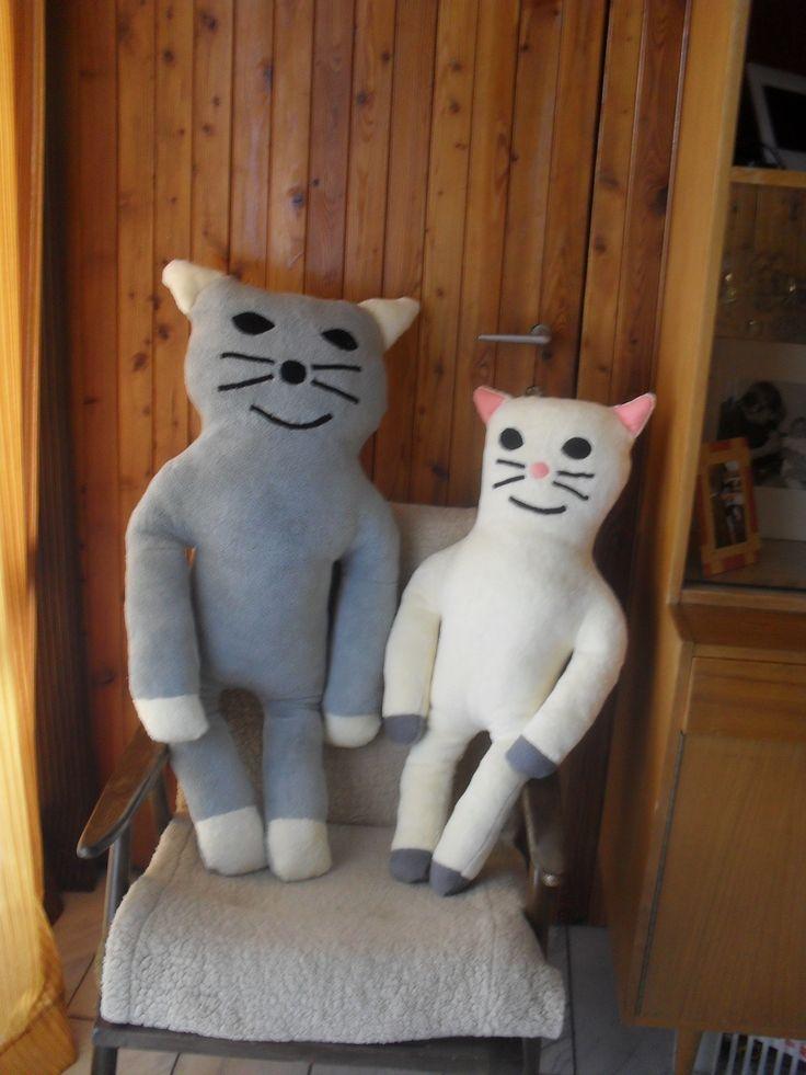 kočička s koťátkem polštářek mazlík