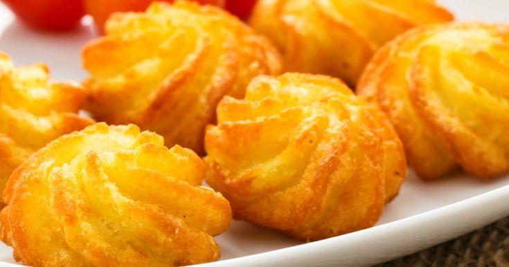 Cartofi Duchesse - aperitiv extrem de aspectuos dar pe care îl faci cu minimum de efort! Ieftin, rapid și tare gustos! Cea mai simplă rețetă este aceasta!