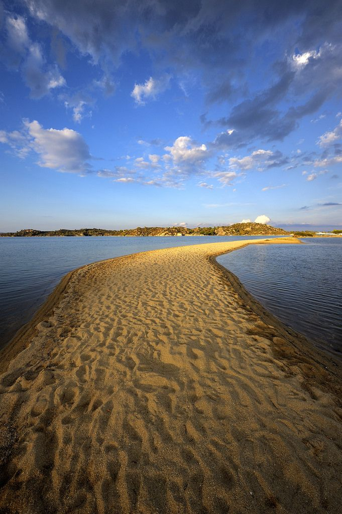 https://flic.kr/p/nzJhec | Beach | Path to the Light over sandy reef beach