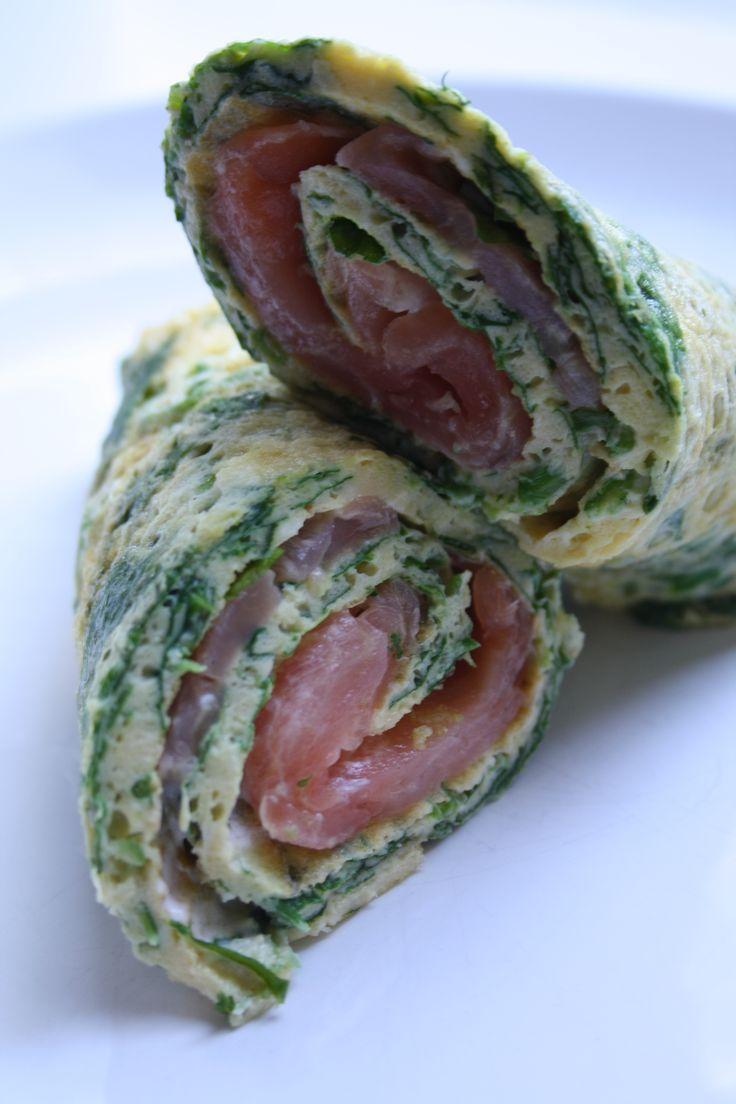Ei-wrap met zalm en spinazie