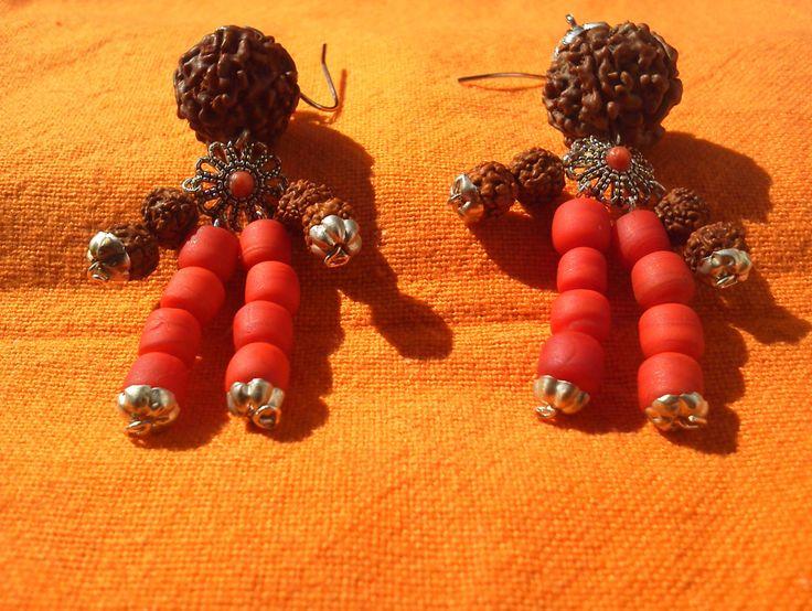 orecchini con roudraksha e corallo rosso di fiume di madreperls su Etsy