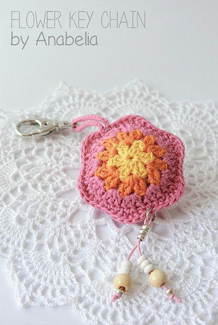 Crochet flower keychain by Anabelia