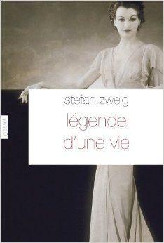 Légende d'une vie, Stefan Zweig, grasset, 2011. Quatre personnages se croisent : Leonore Franck, veuve du célèbre écrivain Karl Amadeus Franck, leur fils Friedrich, Bürstein, le biographe du maître et une mystérieuse femme qui s'avère être l'amour d'enfance du grand écrivain, celle à qui il a écrit des dizaines de pièces enflammées et dédié une pièce de théâtre que tout le monde croyait jusqu'alors perdue. Or cette femme détient les lettres et le manuscrit... Cote : 832 ZWE