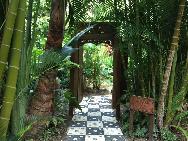 Secret gardens at ikatan Spa.  http://ikatanspa.com/