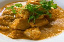 Afrikaanse kip curry. Met sperzieboontjes maken en bloemkoolrijst erbij serveren