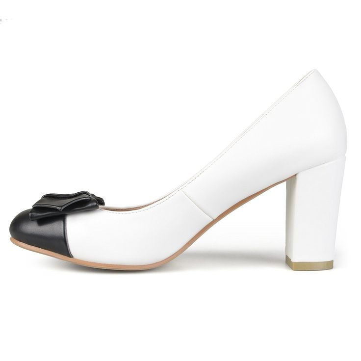 Amazon.com | Brinley Co. Womens Bow Classic Vintage Chunky Heel Two-tone Round Toe Pumps | Pumps