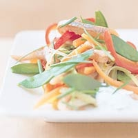 Recept - Lauwe haringsalade met groentereepjes - Allerhande