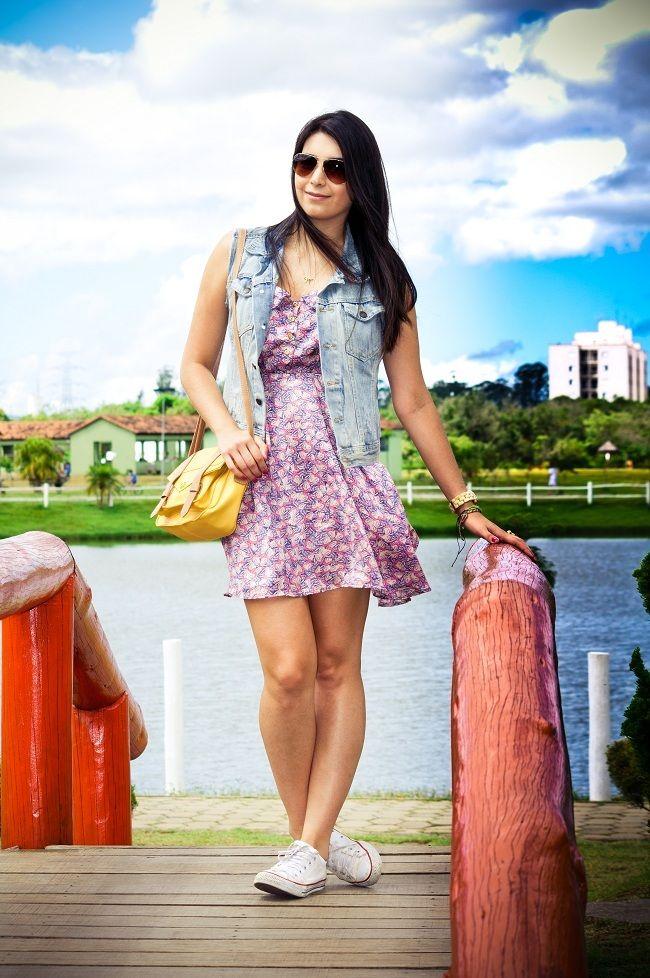 look_dia_vestido_colete_jeans_all_star (jaqueta)