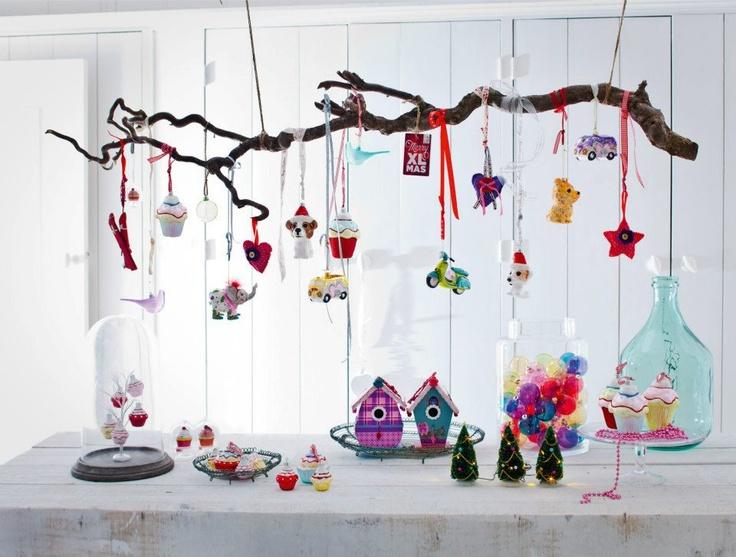 erg leuk voor boven de eettafel of de vensterbank, intratuin heeft mooie, speelse, stoere en romantische kerstballen en hangers, kies degene die jij het mooiste vind en creeër je eigen exemplaar!