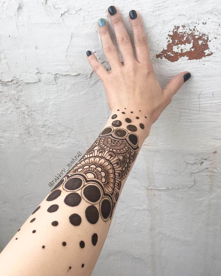 Unique mehndi design for arm by @rabbyy_mehndi #mehndi #mehndidesign #henna #hennadesign #hennatattoo