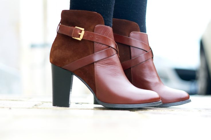 JONAK SHOES | Brown DRAKOS boots - as seen on @chloependerie http://www.jonak.fr/bottines-bi-matieres-en-cuir-et-velours-noisette-jonak.html