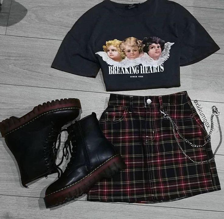#grunge #grungegirl #grungeaesthetic #softgrunge #gothic #gothicaesthetic #gothaesthetic #fashion #outfit #fashion grungeoutfit #grungefashion #outfit...