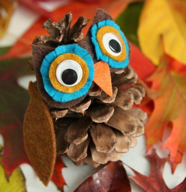 Aujourd'hui`hui, nous avons le plaisir de vous donner 50 idées bricolage enfants et adultes avec des pommes de pin. Installez-vous confortablement, pour pui