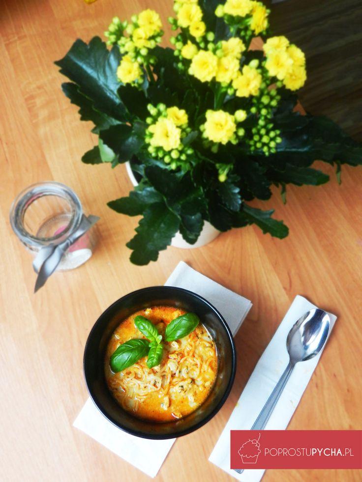 Tajska zupa z kurczakiem ;) pysznaaaaaaaaa! Kto by się skusił na taki obiadek? :)