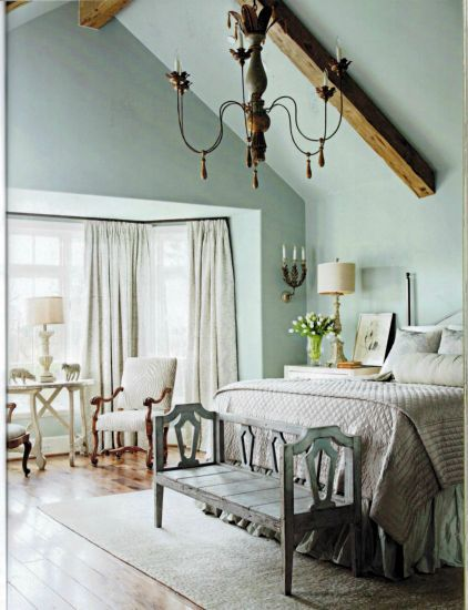 Lovely pale blue bedroom - Segreto Finishes