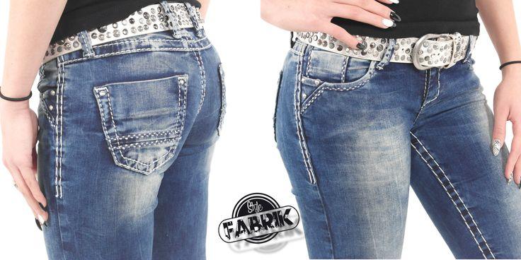 Stylische Damen Jeans von Cipo & Baxx Straight Fit mit Ziernieten blau  Jetzt bei Amazon ansehen: http://www.amazon.de/gp/product/B00S1M4PY6/ref=as_li_tl?ie=UTF8&camp=1638&creative=19454&creativeASIN=B00S1M4PY6&linkCode=as2&tag=kbco05-21&linkId=Y5X2JADMOWGR37OW  Im Stylefabrik Shop: http://www.stylefabrik-fashion.de/Cipo-Baxx-Jeans-CBW-639-Straight-Fit-Used-Look-mit-Ziernieten-und-doppelter-weisser-Ziernaht-blau-CBW-0639?fb=1  Viel Spaß beim shoppen Die Stylefabrik
