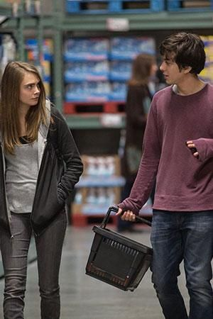 Watch Cara Delevingne and Nat Wolff fall in love in the Paper Towns official trailer amazing book turned into a movie