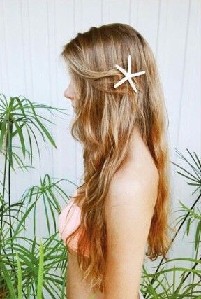 This cute starfish clip takes beachy waves to a whole new level.