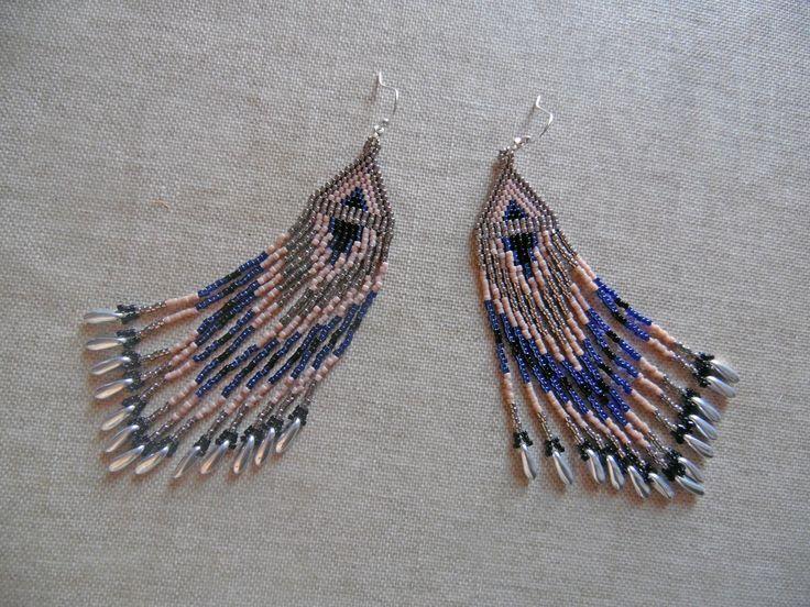 """Boucles d'oreilles perles Miyuki indien huichol """"Argenté, bleu, rose et noir"""". Boucles d'oreilles ethnique.Tissées peyote : Boucles d'oreille par m-comme-maryna"""