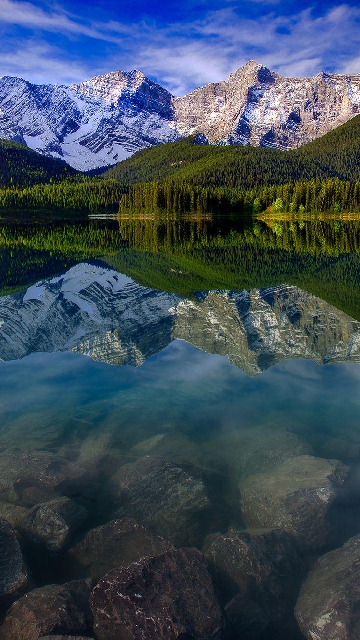 Mountain landscape reflection mountains lake rocks iphone for Fotos fondo de escritorio gratis
