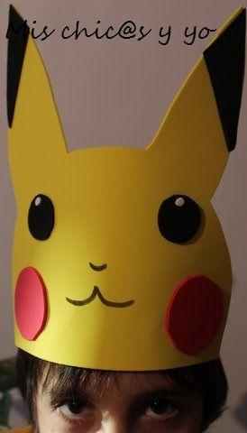 Como se acerca el carnaval y el cumpleaños de mi peque, que es muy fan de Pokémon, he preparado unos gorros-máscaras en goma-eva con la imagen de Pikachu. Es una manualidad muy sencilla de hacer co...